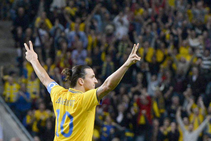 Ibrahimovic falha jogo com a R