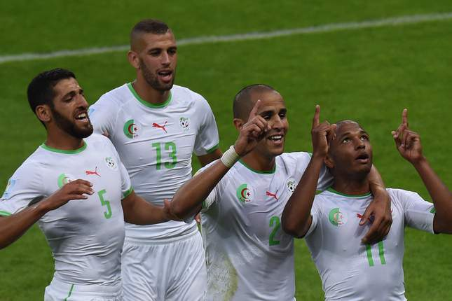 Argélia festeja golo