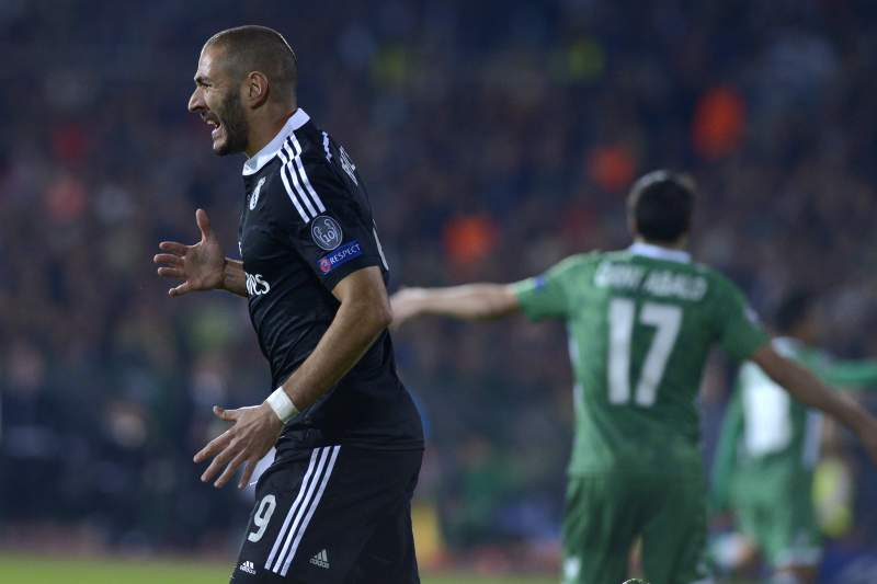 Benzema sai do banco para dar a vitória ao Real Madrid