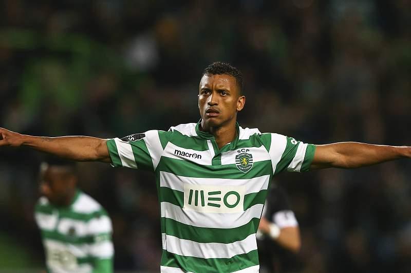 Nani do Sporting festeja um golo contra o V. Guimar