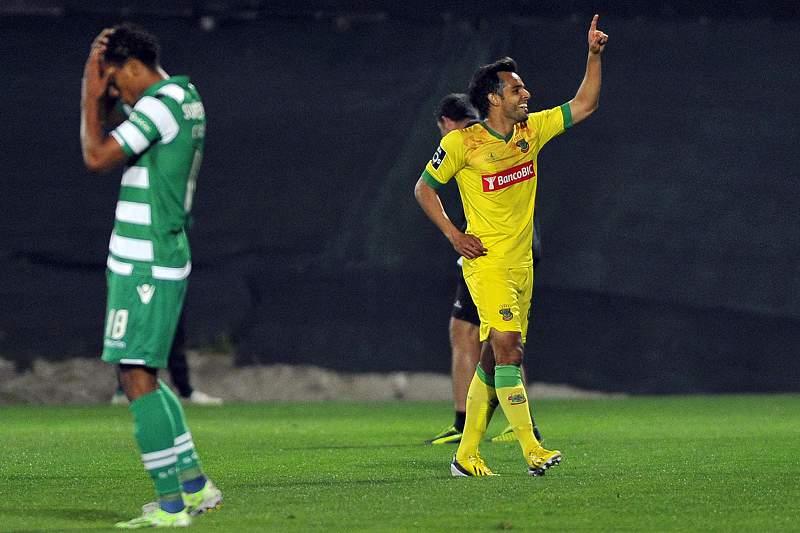 Rodrigo Galo celebra o golo do Paços de Ferreira