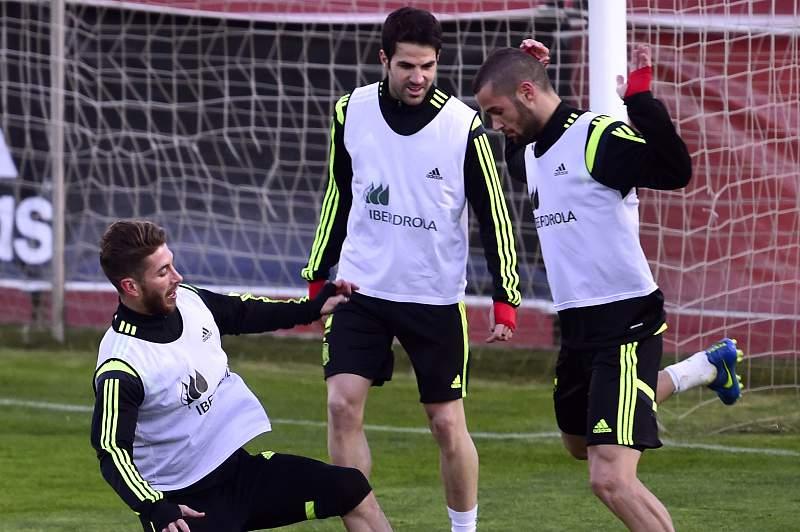 Sergio Ramos, Fabregas e Mario Suarez