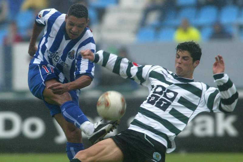 Ronaldo e Derlei num FC Porto-Sporting