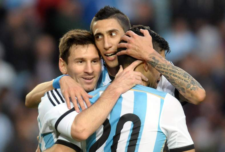 Di María é um dos poucos jogadores que partilha balneário com Messi e Ronaldo