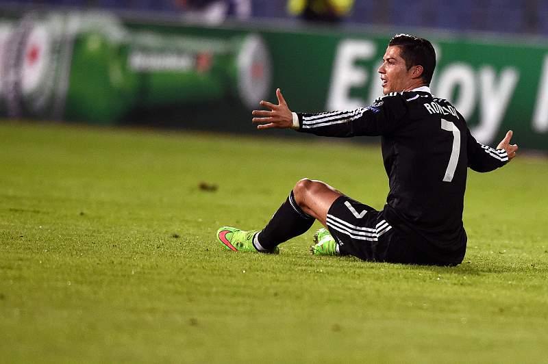 Ronaldo saiu lesionado do jogo com o Ludogorets