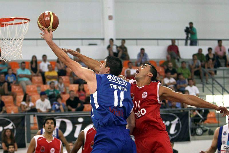 CAB Madeira em ação num jogo com os dragões