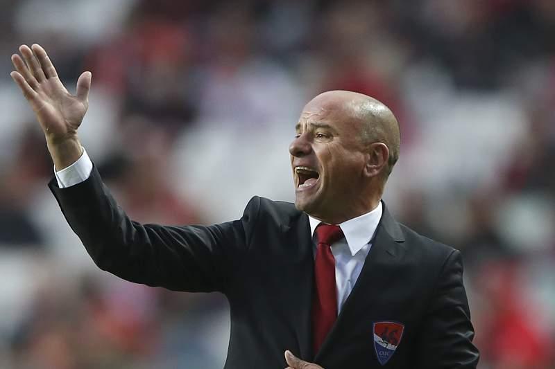 José Mota mostrou-se insatisfeito com o golo irregular do Benfica
