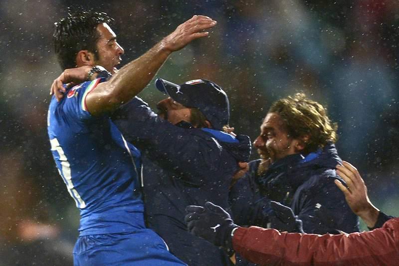 Éder celebra o golo diante da Bulgária