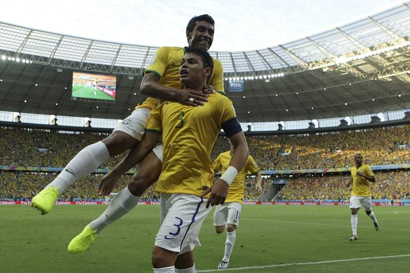 Os festejos de Thiago Silva