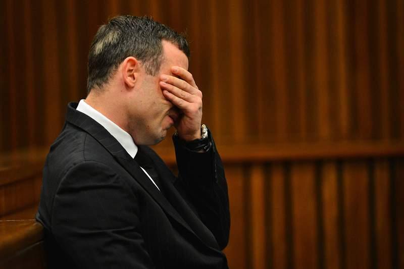 Pistorius condenado a cinco anos de prisão