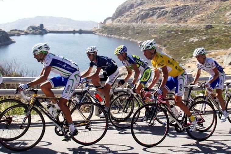 Ciclistas na Volta a Portugal