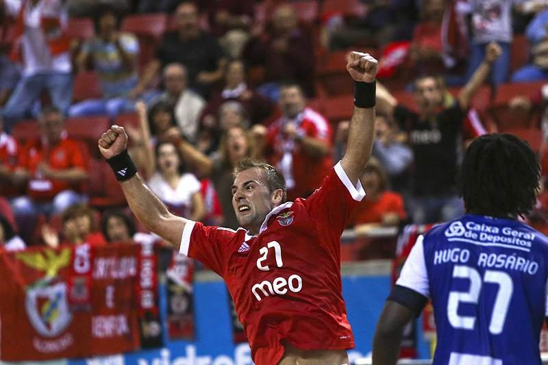 Davor Cutura num Benfica-FC Porto