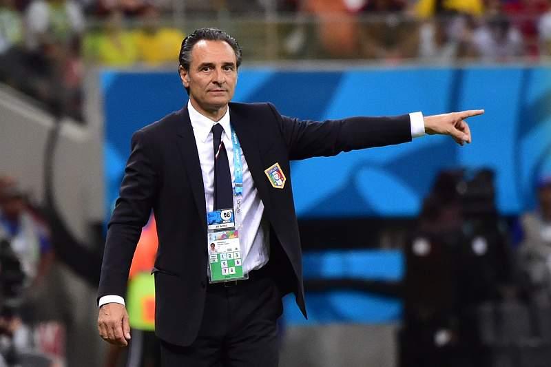 Cesare Prandelli feliz com vitória de Itália