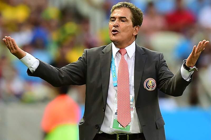 Jorge Luis Pinto festeja triunfo sobre o Uruguai