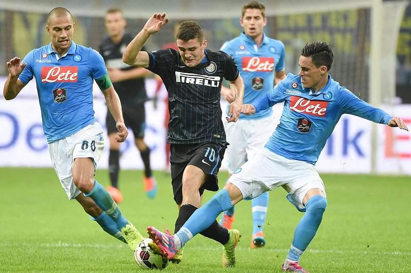 Inter Milão e Nápoles empataram 2-2