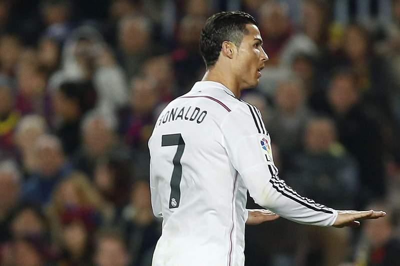 Cristiano Ronaldo celebra um golo em Camp Nou
