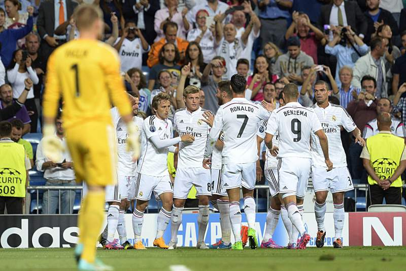 Real Madrid goleia Basileia