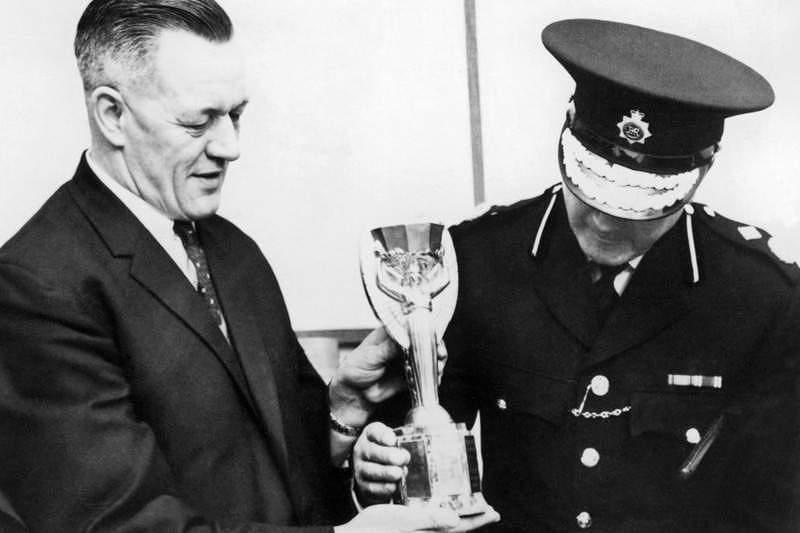 Há 49 anos roubavam a Taça Jules Rimet