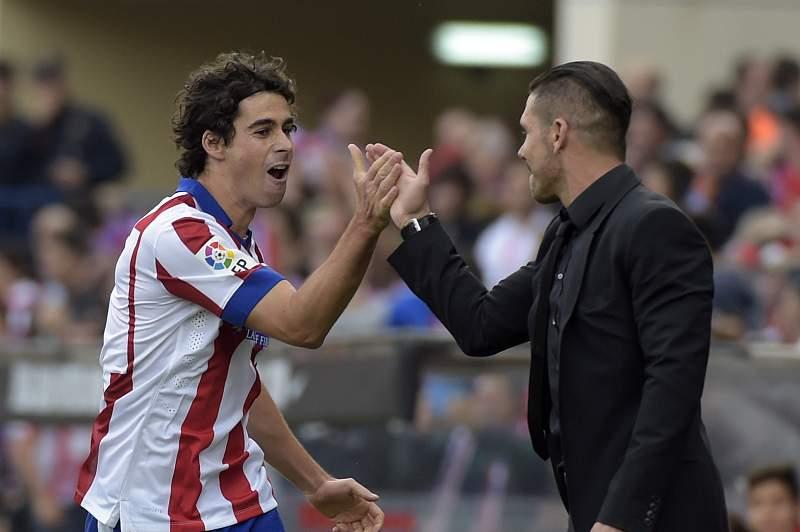 Tiago celebra um golo com Simeone