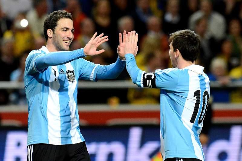 Higuaín e Messi