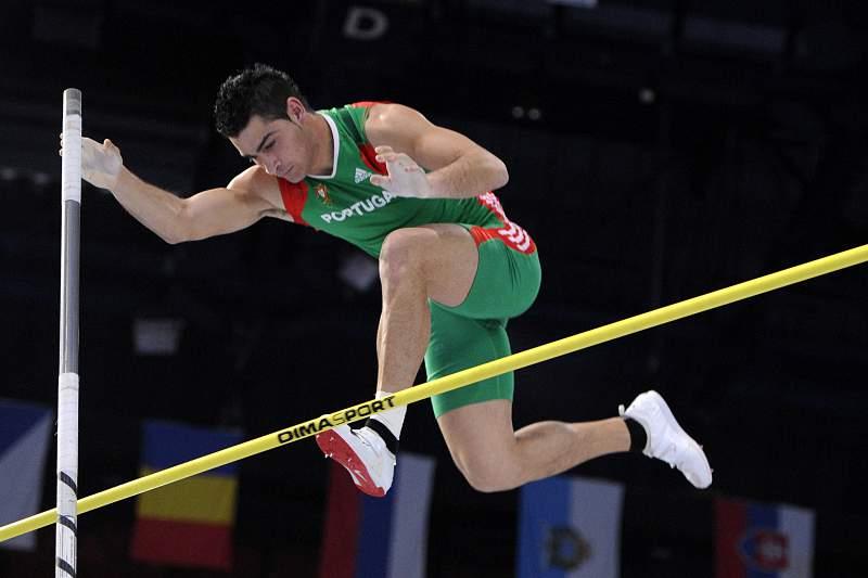 Europeus de atletismo : Edi Maia e Diogo Ferreira na final do salto com vara