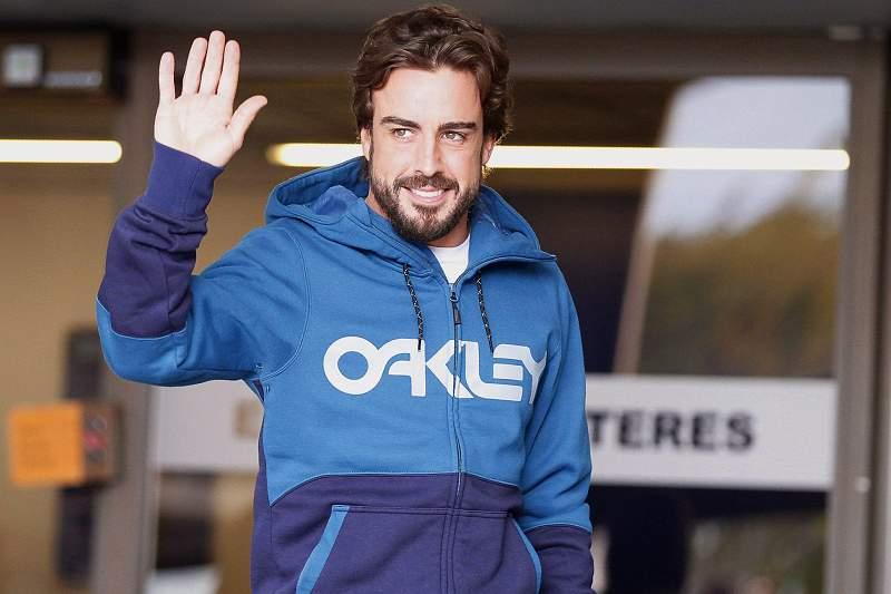 Fernando Alonso leaves hospital in Barcelona