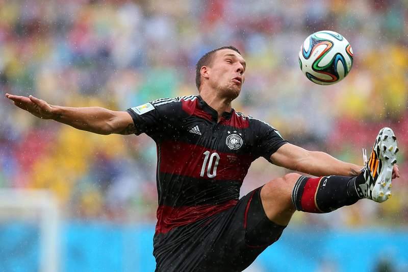 Podolski falha jogo com a Argélia por lesão