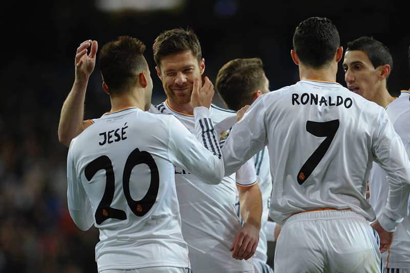 Xabi Alonso com a camisola do Real Madrid