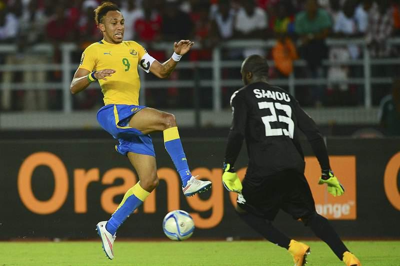 Aubameyang marcou um dos golos da vitória do Gabão