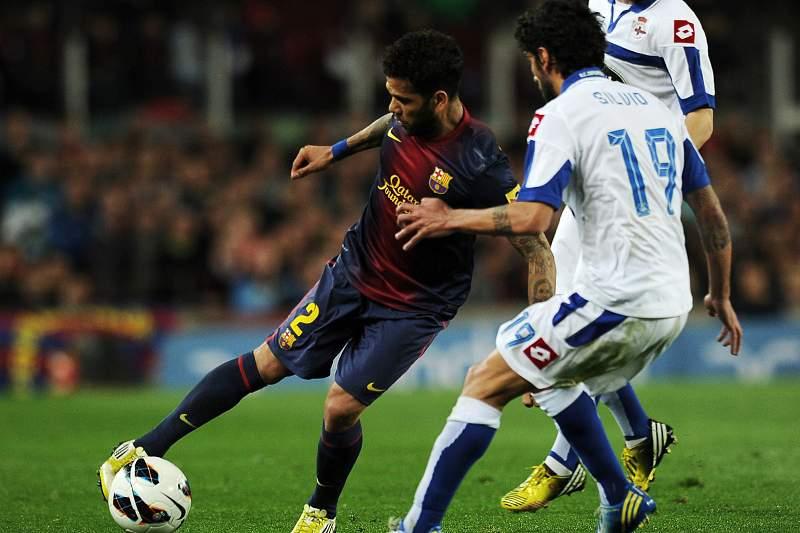 Dani Alves poderá estar de saída do Barcelona