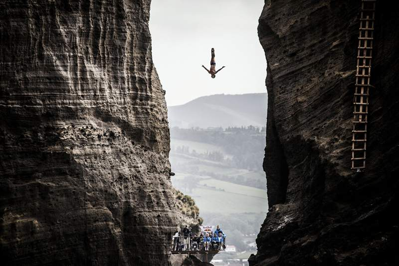 Red Bull Cliff Diving: Jonathan Paredes