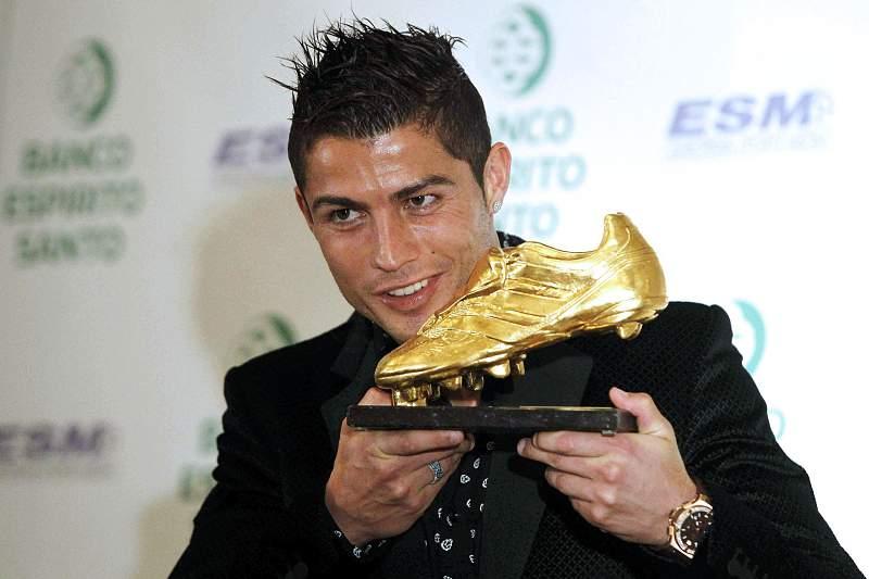 Cristiano Ronaldo recebe bota de ouro