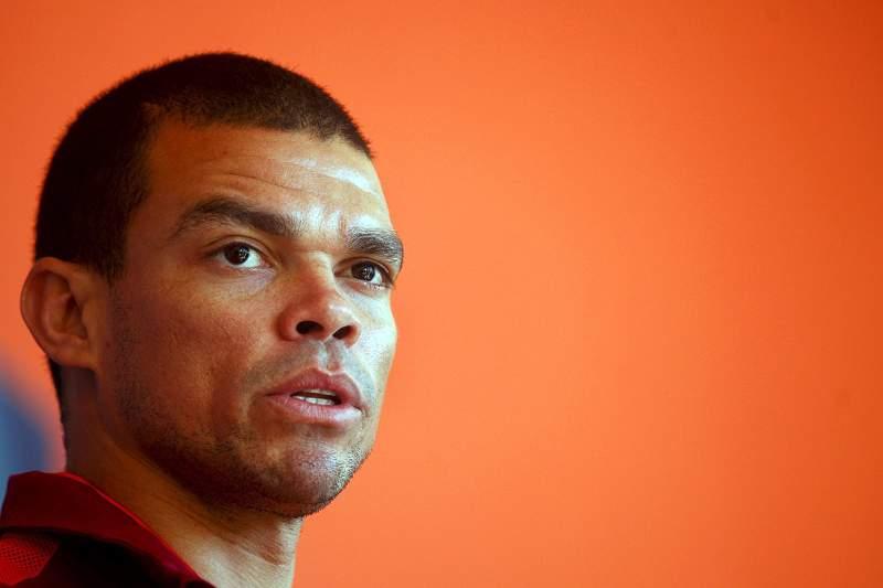 Futebol : Pepe integra treino da Sele