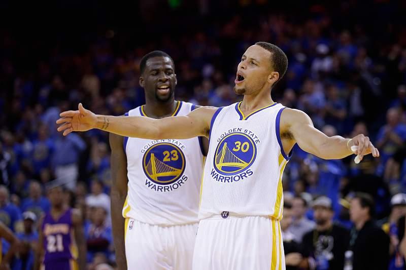 Stephen Curry tem brilhado ao serviço dos Golden State Warriors