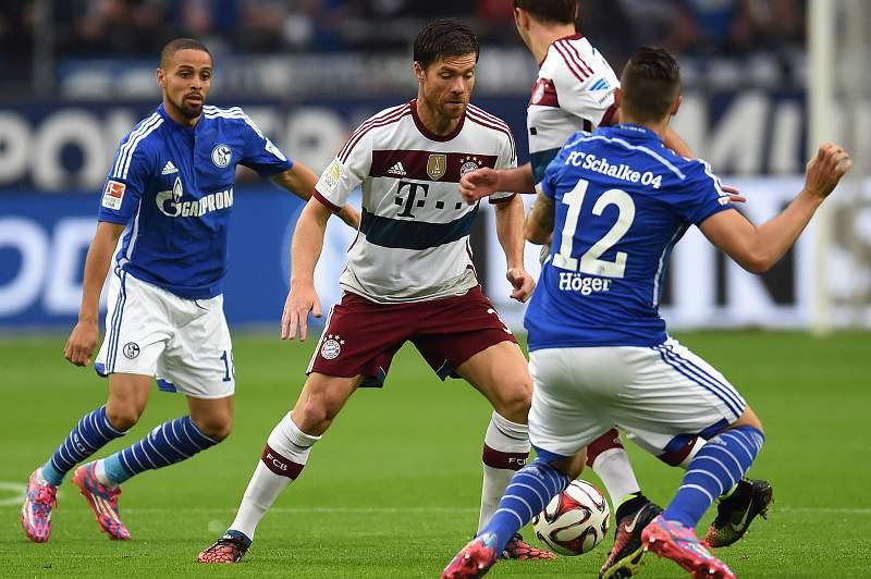 Schalke04 travaa Bayern Munique
