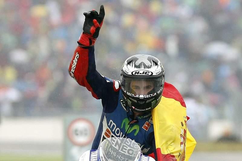 Lorenzo ganha GP de Aragão sob chuva e Máquez ficou por terra