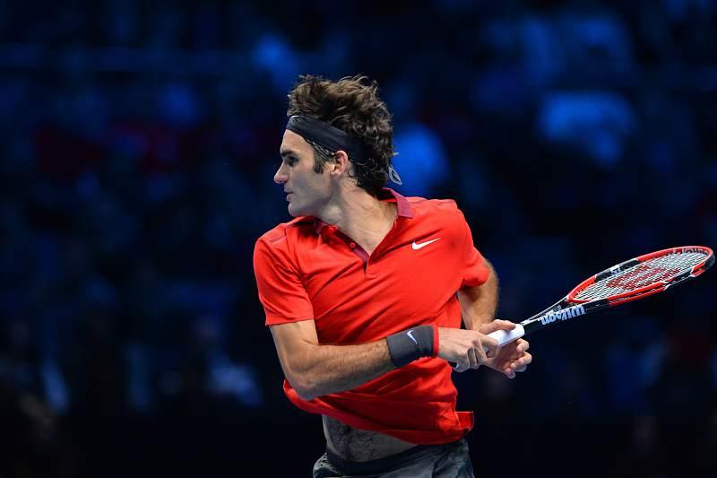 Federer marca encontro com Djokovic na final de Londres