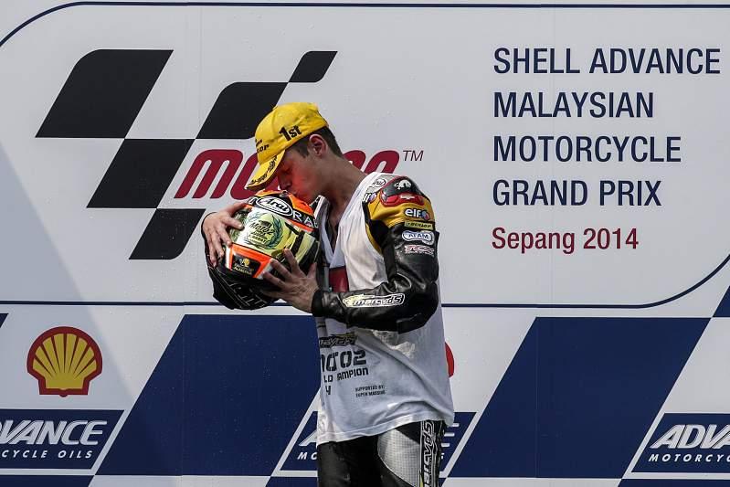 Esteve Rabat vence Moto2 no GP da Malásia