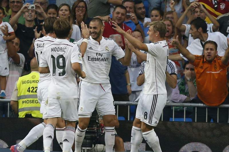 Benzema marca no Real-Cordoba