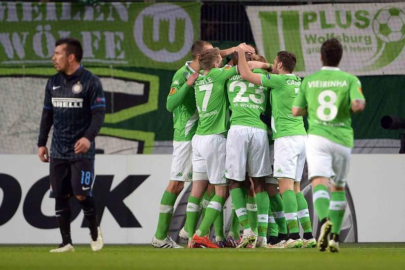 Naldo marcou o primeiro do Wolfsburgo
