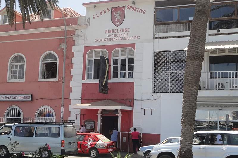 Sede do Mindelense na Rua da Praia