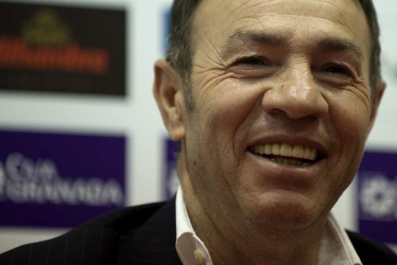 Granada anuncia Abel Resino como novo treinador