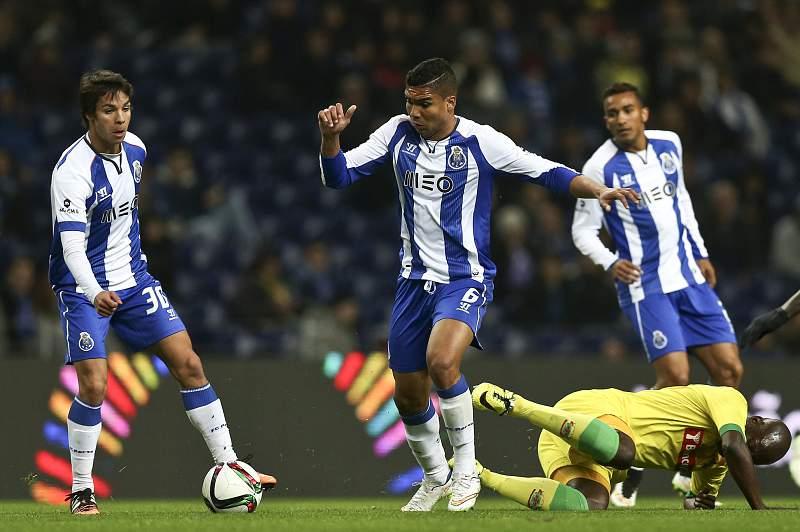 Óliver e Casemiro podem ficar mais um ano no FC Porto
