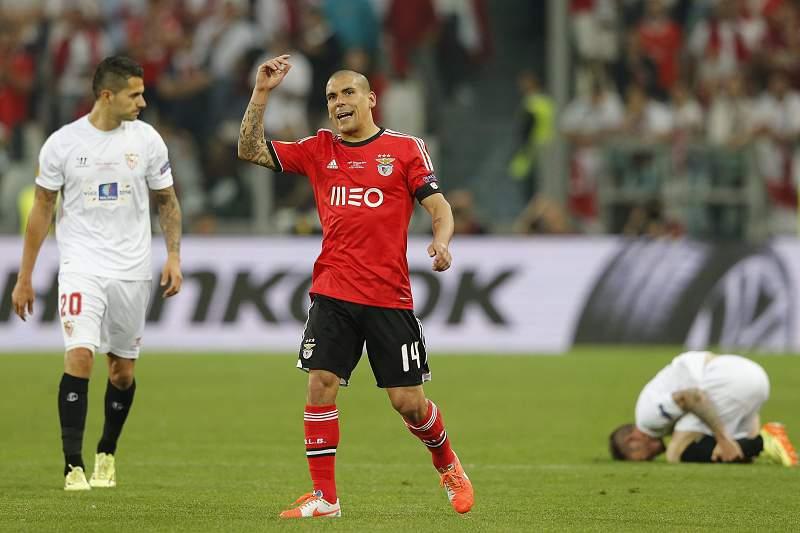 Maxi Pereira desejado por clubes estrangeiros