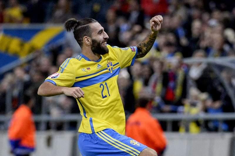 Jimmy Durmaz celebra o golo
