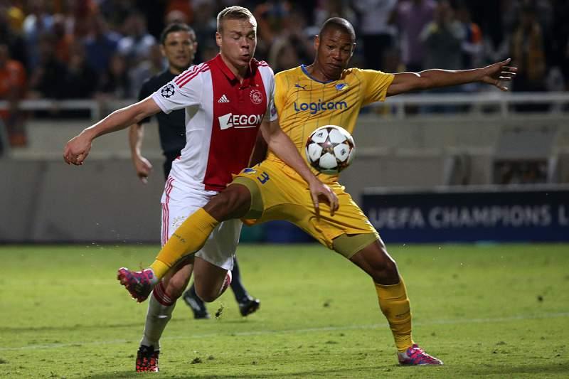 Apoel e Ajax dividem pontos
