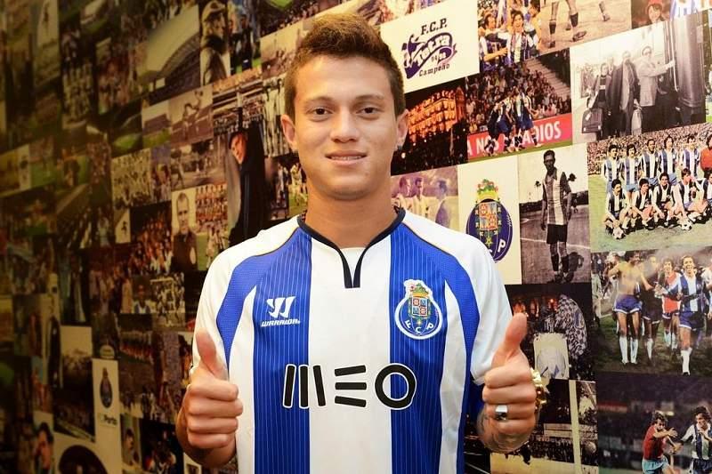 FC Porto apresenta Otávio como novo reforço no Twitter