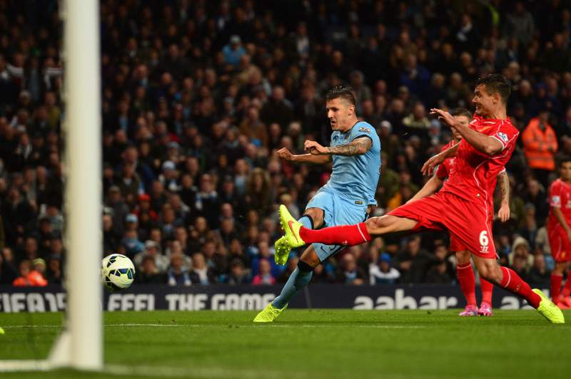 Manchester City vence Liverpool