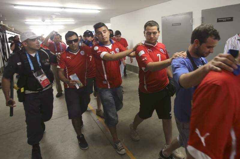 Grupo de adeptos do Chile teve de ser retirado do Maracanã