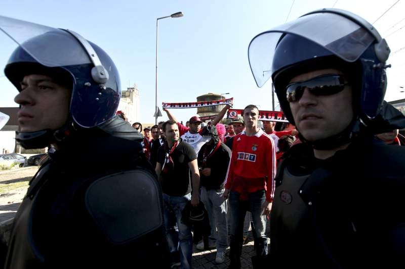 PSP com adeptos do Benfica
